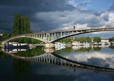 Auxerre - Ciel et passerelle 01