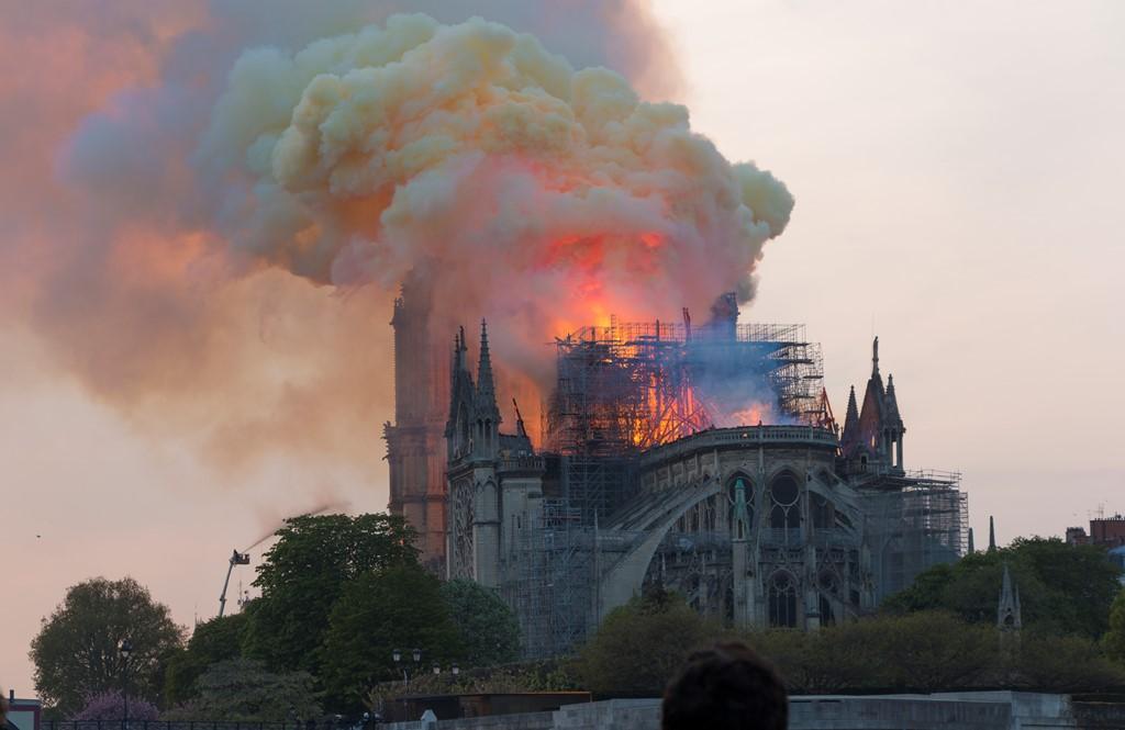 Les Gilets jaunes, Notre-Dame de Paris, nos 'Vieux', tout est symbole