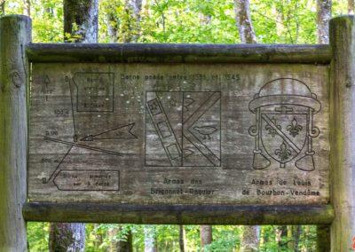 2019 - Forêt de Vauluisant - Bornes féodales 02