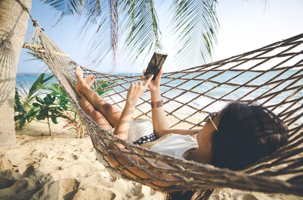 Pour les vacances, peut-on réussir à domestiquer notre smartphone ?